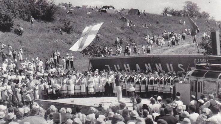 Юханнус в Туутари, начало 90-х. Фото из архива Т. Шадруновой
