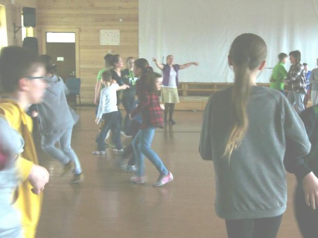Разучиваем танцы